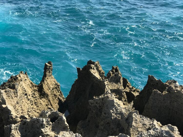 Cliffs at Devil's Tear (Nusa Lembongan, Bali)