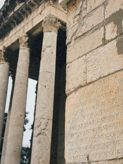 Augustus, Pula